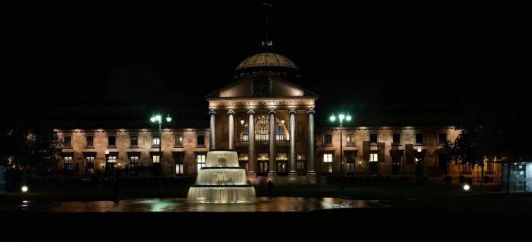 Nachts in Wiesbaden