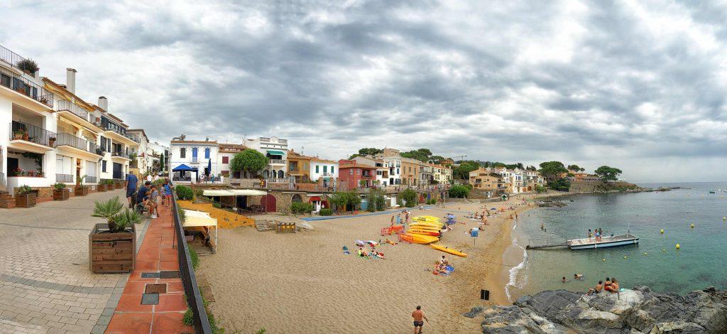 Bucht und Küstenabschnitt von Palafrugell in Katalonien